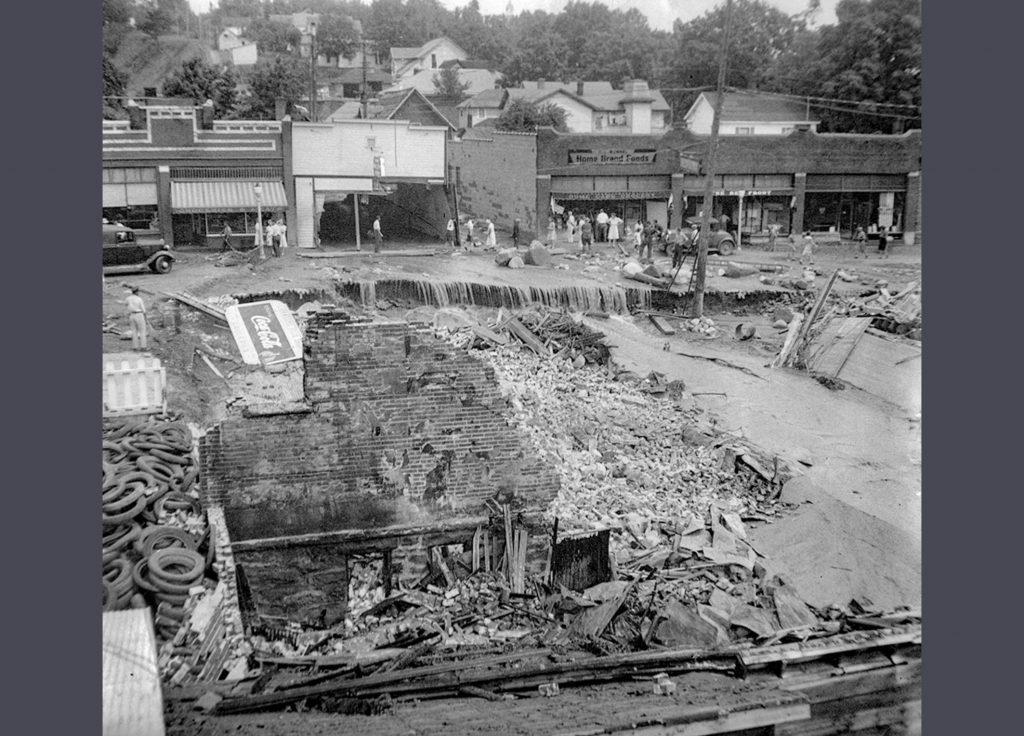 1942 Flood Destruction of Turnquist Building on Rittenhouse Avenue