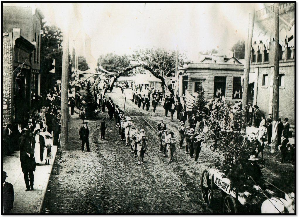 Parade Day Photo W James Erickson Orchards