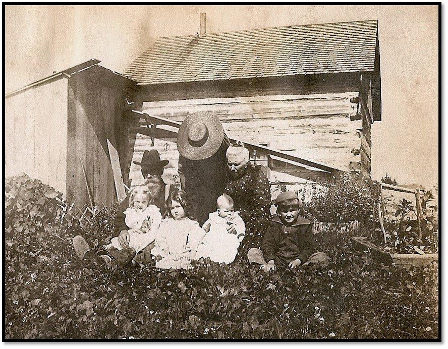 Frank and Josephine Dutcher-Shaw and children at Sand Island ca 1900 Phot Burt Hill